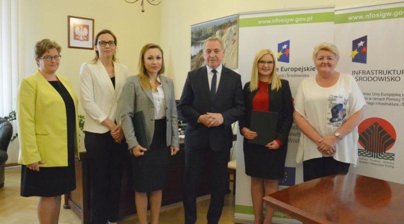 Zdjęcie-z-podpisania-umowy__Pułtusk